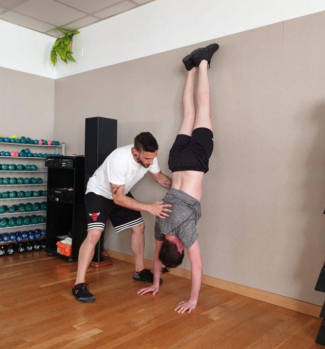 Aaron Nares handstand